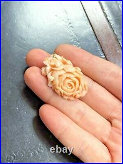 Lovely 47CT Floral Carved Pink Salmon White Coral 14K Yellow Gold Pendant 1.5x1