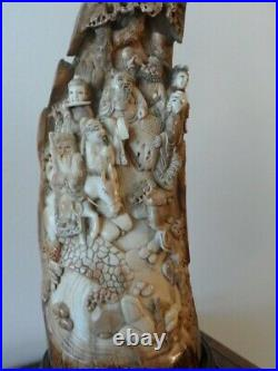 SUPERB ANTIQUE CHINESE FINELY CARVED FIGURES STATUES c. 1800